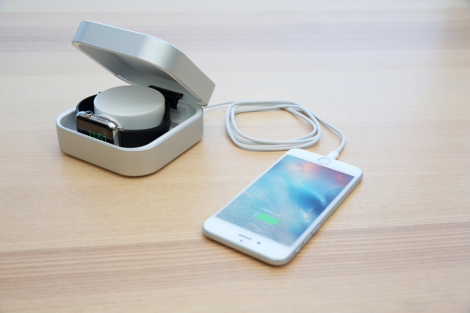 A Watchcase Power Bank for Apple Watch